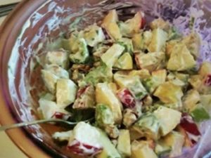 receta de ensalada de manzana y piña